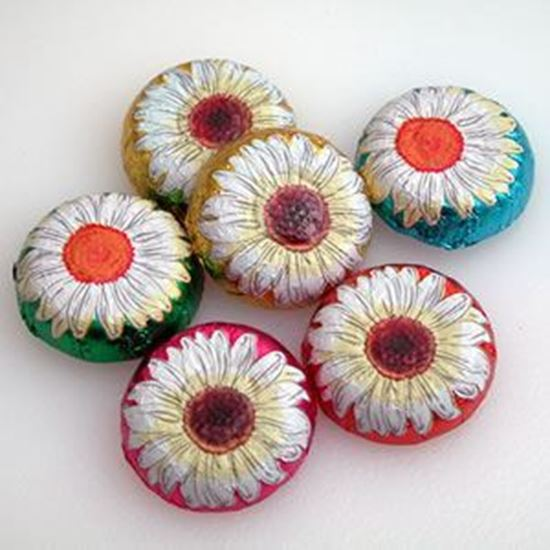Picture of Milk Chocolate Foiled Daisies